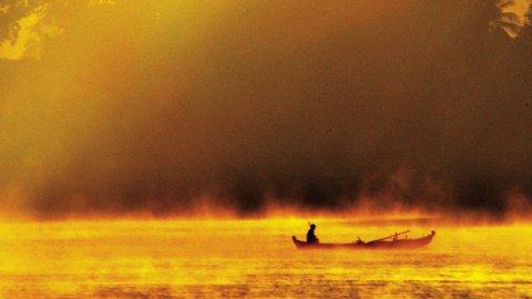 Båtene som trafikkerer den mektige elven må navigere mellom utforutsigbare sanbanker, men hva gjør vel noen timer ekstra?