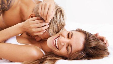 MORO: De ugifte virker å kose seg mer med sexlivet enn de gifte.