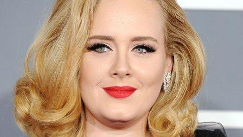 GRAVID: Adele venter sitt første barn.