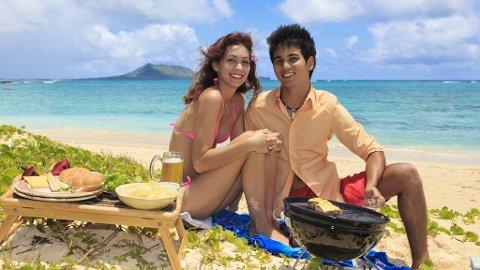 Få ting er bedre enn grilling på stranda med gode venner.