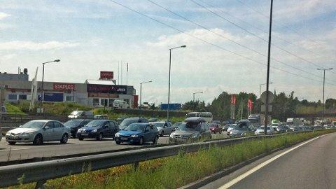 KØ: Allerede ved halv tre-tiden sto køen ved Alnabru i Oslo.