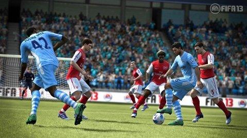 I «FIFA13» oppfører ballen seg friere enn før.