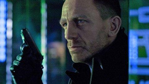 POTENT BOND: Ingen slitasje når serien om James Bond fyller 50 år.