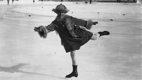 Norwegian ice-skater Sonja Henie (1912 - 1969) on the ice at Chamonix during the Winter Olympics.