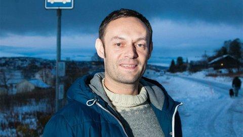 SVs forslag vil gjøre det billigere å kjøre i distriktene, men dyrere i byer med et fullgodt kollektivtilbud. Dagens busstilbud i Tromsø er likevel ikke i nærheten av å være et godt alternativ, mener Torgeir Knag Fylkesnes.