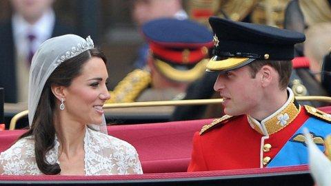 WILLIAM OG KATE giftet seg i april i fjor.