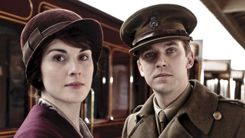 DAN STEVENS som Matthew og Michelle Dockery som Mary i «Downton Abbey».