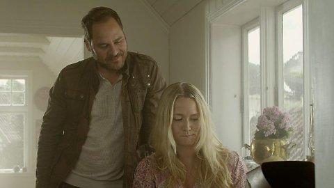 VEGAR HOEL og Berthe Rommetveit i «Blåtur».