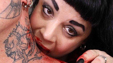 JULIA CAPLES sier hun er en del av en stor subkultur.