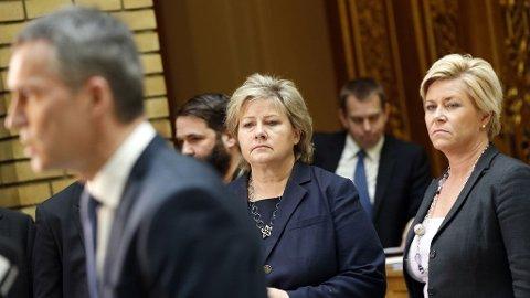 Statsminister Jens Stoltenberg, Erna Solberg og Siv Jensen (t.h.) etter den muntlige spørretimen på Stortinget onsdag morgen.
