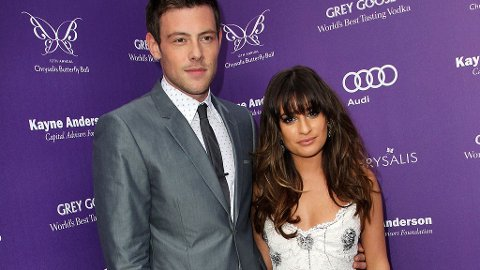 HAR GÅTT BORT: Hollywood reagerer med vantro etter at 31 år gamle Cory Monteith gikk bort lørdag. Her sammen med kjæresten Lea Michele.
