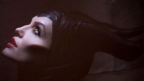 ANGELINA JOLIE som den onde heksa i Tornerose-eventyret.