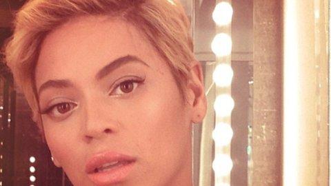 TREND: Beyonce klippet håret - og startet trend på sosiale medier.