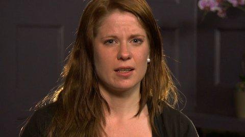 - TABU: Ida Elise Berntsen forteller åpent om skadene som fulgte etter fødselen. Hun mistet kontrollen over tarmen, og ble både isolert og deprimert. - Jeg vil vise andre at det er lys i tunnelen, sier hun.