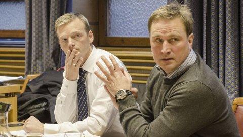 PRØVELØSLATES: Kjell Alrich Schumann (t.h) ble dømt til 16 års forvaring med minstetid på ti år for sin part i Nokas-ranet i 2004. Han har nå sonet minstetiden av straffen og ønsker seg prøveløslatt. Prøveløslatelsessaken startet tirsdag i Sør-Trøndelag tingrett. Schumanns forsvarer Fredrik Schøne Brodwall (t.v) i samtale før rettsmøtet.