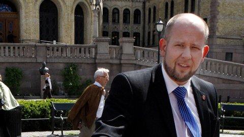 Tord Lien er Fremskrittspartiets representant på Stortinget. Han gir seg som politiker i 2013 siden han tiltrer stillingen som direktør for informasjon og samfunnskontakt i Trønderenergi.