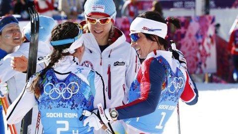- KALLA FAVORITT: De norske jentene mener Charlotte Kalla må tåle favorittstempelet før 30-kilometeren.