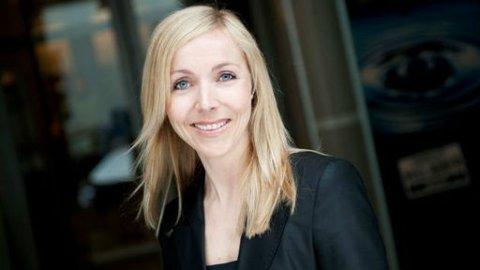 BRUK KREDITTKORT PÅ NETT: Privatøkonom Monica Haftorn Iversen i Danske Bank gir råd om sikker netthandel.