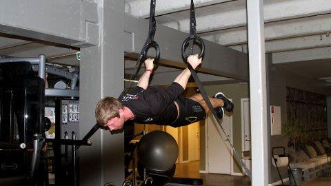 «BACK LEVER»: Ulrik Ask Fossum tipser om kroppsvektøvelser som gir deg styrke og mobilitet.