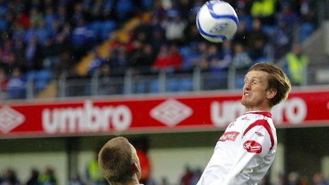 BETALTE IKKE SKATT: Raio Piiroja i aksjon for Fredrikstad under en kamp mot Molde for noen år siden.