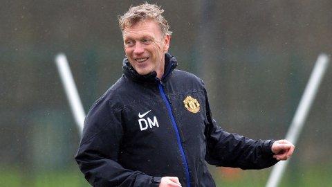 FÅR STØTTE: En hardt presset David Moyes får støtte av klubblegende sir Bobby Charlton.