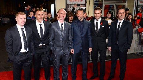 THE CLASS OF '92: Paul Scholes, Phil Neville, Nicky Butt, Ryan Giggs, David Beckham og Gary Neville var til stede da filmen om deres karrierestart i United hadde premiere på Odeon i London i desember.