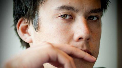 KAN VINNE: Johnny Lodden ligger godt an før nest siste dag i European Poker Tour i Wien. Den norske pokerspilleren ligger på en foreløpig niende plass, men har greit med sjetonger igjen. Finalebordet spilles 29. mars.