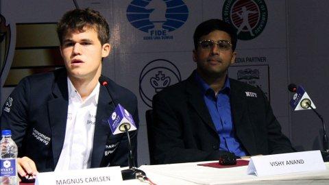 DUKET FOR NYTT OPPGJØR: Magnus Carlsen og Viswanathan Anand møtes til ny VM-kamp i november.