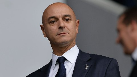 - NYE KJØP: Styreformann i Tottenham Hotspur Daniel Levy sier i en uttalelse at klubben har planer om å forsterke laget i nøkkelposisjoner.