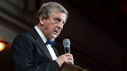 HAR BESTEMT SEG: Englands trener, Roy Hodgson, har VM-troppen klar. Her avbildet under talen han holdt da den engelske spillerforeningen holdt sin årlige prisgalla.