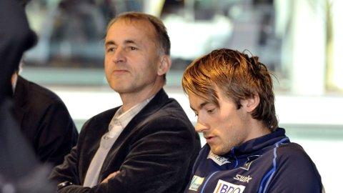 - VIL VÆRE UTILGJENGELIGE: John Northug kom med en kort kommentar etter Petter Northugs promillekjøring mandag.