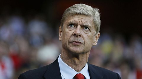 STILLER KRAV: Arsene Wenger mener økonomisk doping må straffes hardt.