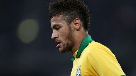 KARRIEREN til Neymar har gått på skinner så langt, både sportslig og økonomisk. Beslutningen om å vente med å dra til Europa har ogå vist seg økonomisk god.