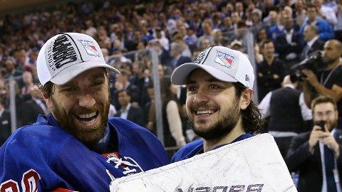 FINALEKLARE: Henrik Lundqvist og Mats Zuccarello har begge spilt viktige roller for New York Rangers på veien til finalen.