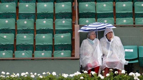 REGNPAUSE: Spillet er ennå ikke i gang på Roland Garros.