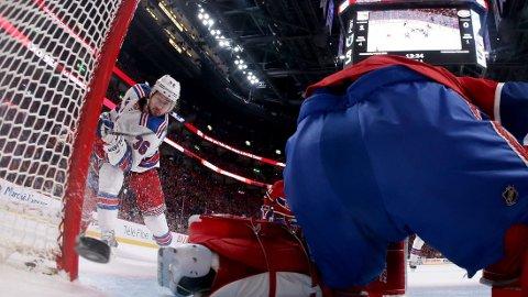 FULLTREFFER: Mats Zuccarello scorer mot Montreal Canadiens i sluttspillet.