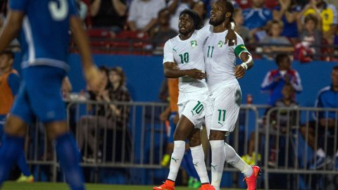SCORET: Gervinho og Didier Drogba scoret mo El Salvador.