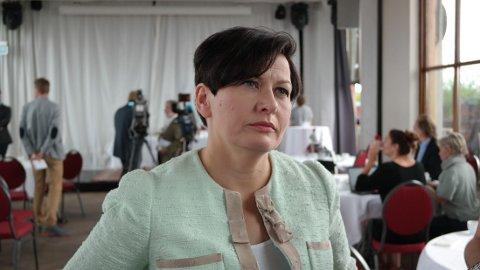 FÅR NY LEDER: Helga Pedersen sier hun vil savne Jens Stoltenberg når han nå går av som partileder.