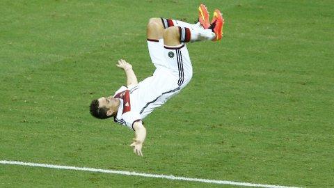 Miroslav Klose håper på flere saltofeiringer i fotball-VM.