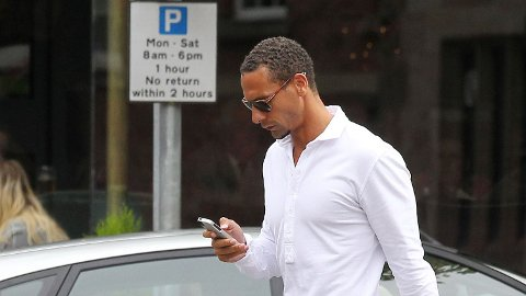 PARKERER I QPR: Rio Ferdinand er ifølge Sky Sports enig med QPR om kontrakt. Det blir trolig hans siste klubb i Premier League.