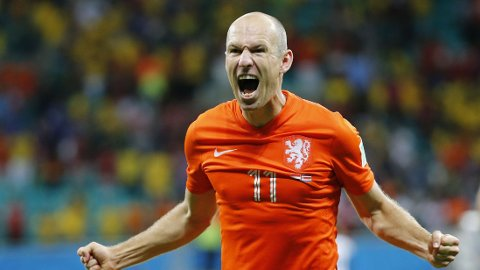 BEST SÅ LANGT? Arjen Robben og James Rodriguez er to av de heteste kandidatene til å vinne Gullballen i 2014.