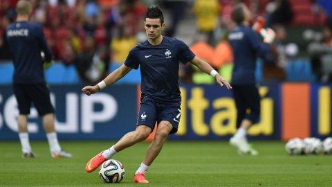 KLAR: Remy Caballa, som her varmer opp før Frankrikes VM-kamp mot Honduras, har signert for Newcastle.