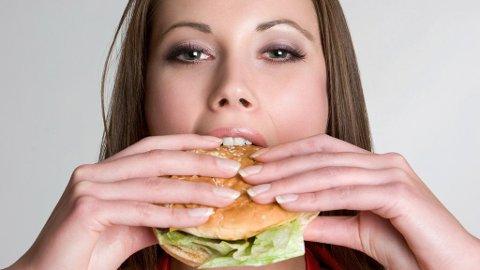 MMMBURGER: Yngdlings-junken for mange - men spiser du det ofte, står du i fare for å bli mer deppa.