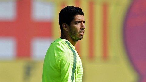 Luis Suárez spisser formen for Barcelonas reserver onsdag. Det skjer mot Indonesias ungdomslandslag.