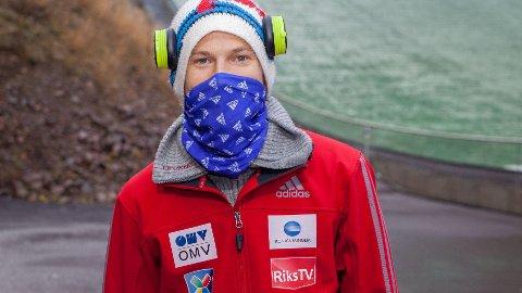 POSITIV: Tom Hilde gleder seg til å vise seg frem i hoppbakken denne vinteren.