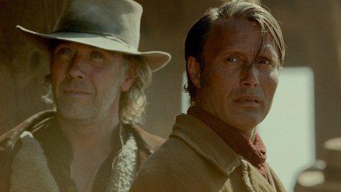 MIKAEL PERSBRANDT og Mads Mikkelsen i «The Salvation».