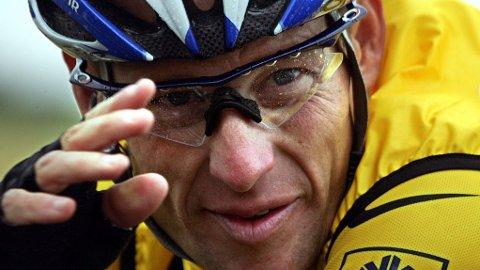 DYR DOM: Lance Armstrong må betale 75 millioner kroner etter en bonuskonflikt. FOTO: NTB scanpix