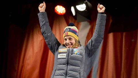 SUKSESSHISTORIE: Astrid Uhrenholdt Jacobsen kunne juble for sølv i VM til tross for en krevende sesong frem mot mesterskapet.