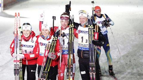 VM-BRONSE: Det ble medaljejubel for Fanny Welle-Strand Horn, Tirill Eckhoff, Johannes Thingnes Bø og Tarjei Bø.