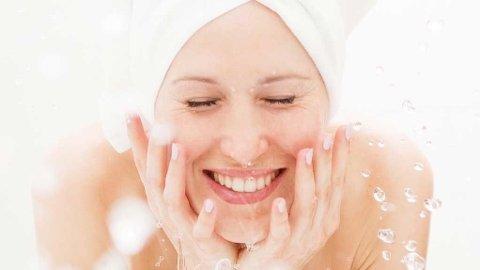 Å vaske ansiktet med såpe er ingen god idé. Se også andre ingredienser i produkter, du bør styre unna.